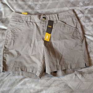 Lee straight fit shorts tan fawn color 6